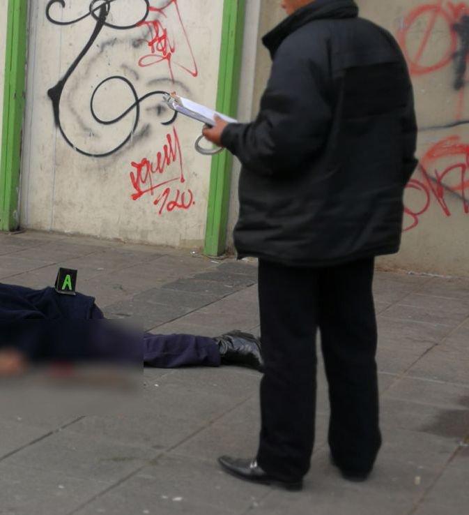 Una persona de la tercera edad cae de uno de los pisos del mercado lanza y muere urgentebo - Pisos para una persona madrid ...