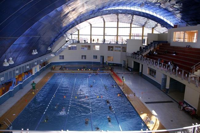 La alcald a detecta descuido y deterioro en la piscina de for Descuidos en la piscina