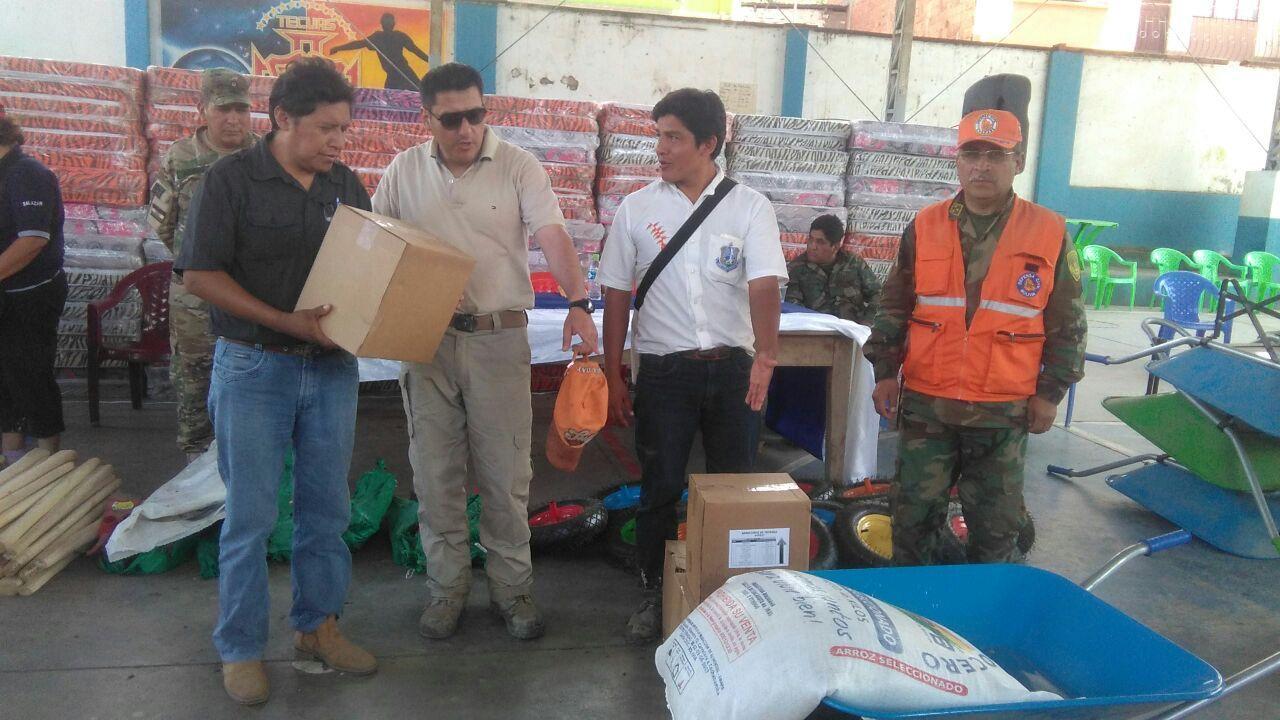 Defensa entrega alimentos, colchones y herramientas a damnificados de Guanay  | Urgentebo